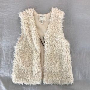 Forever 21 Jackets & Coats - Forever 21 Girls Shearling Fur Vest